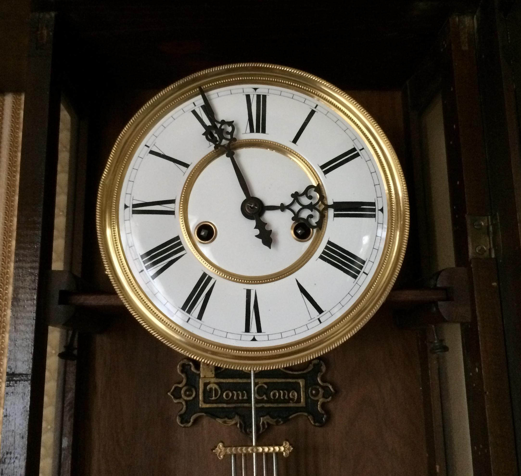 Большие старинные настенные часы Gustav Becker 1912 года