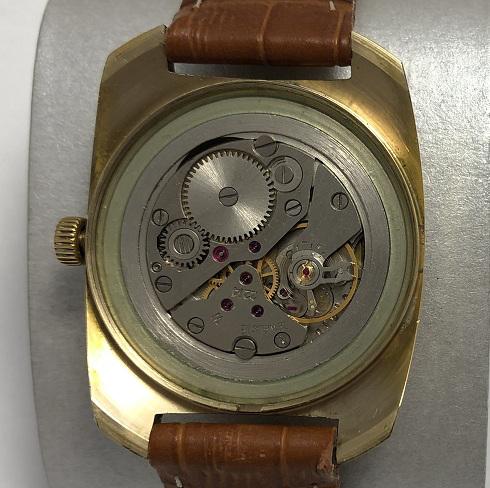 Мужские наручные часы Восток 18 камней СССР зеленые позолоченные