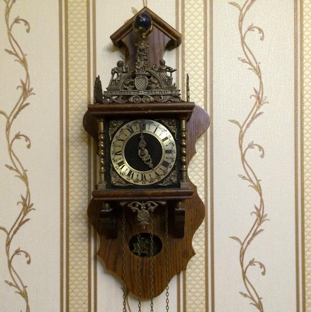 Часы настенные Wuba Голландия Германия старинные с боем и маятником