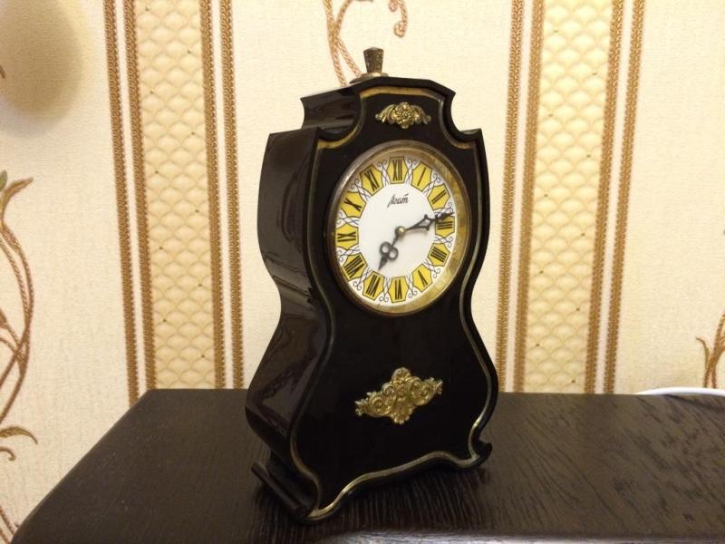 Часы настольные Агат СССР