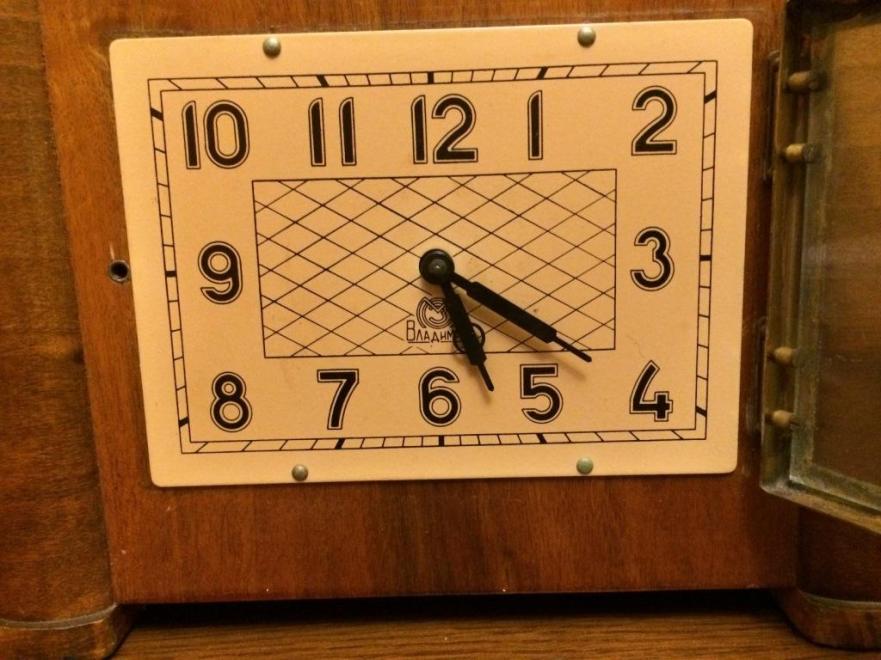 Часы настольные Владимир времен СССР с боем 1959 год