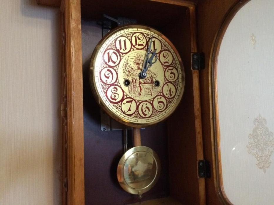 Настенные часы ЧЧЗ времен СССР в светлом деревянном корпусе