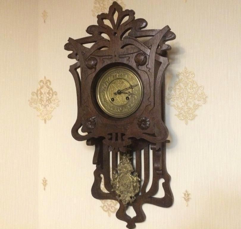 старинные настенные часы Густав Беккер