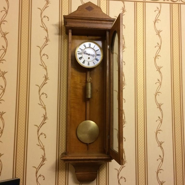 часы большой австрийский регулятор одногиревый