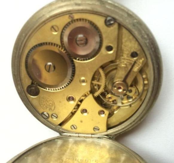 Швейцарские карманные часы REVUE