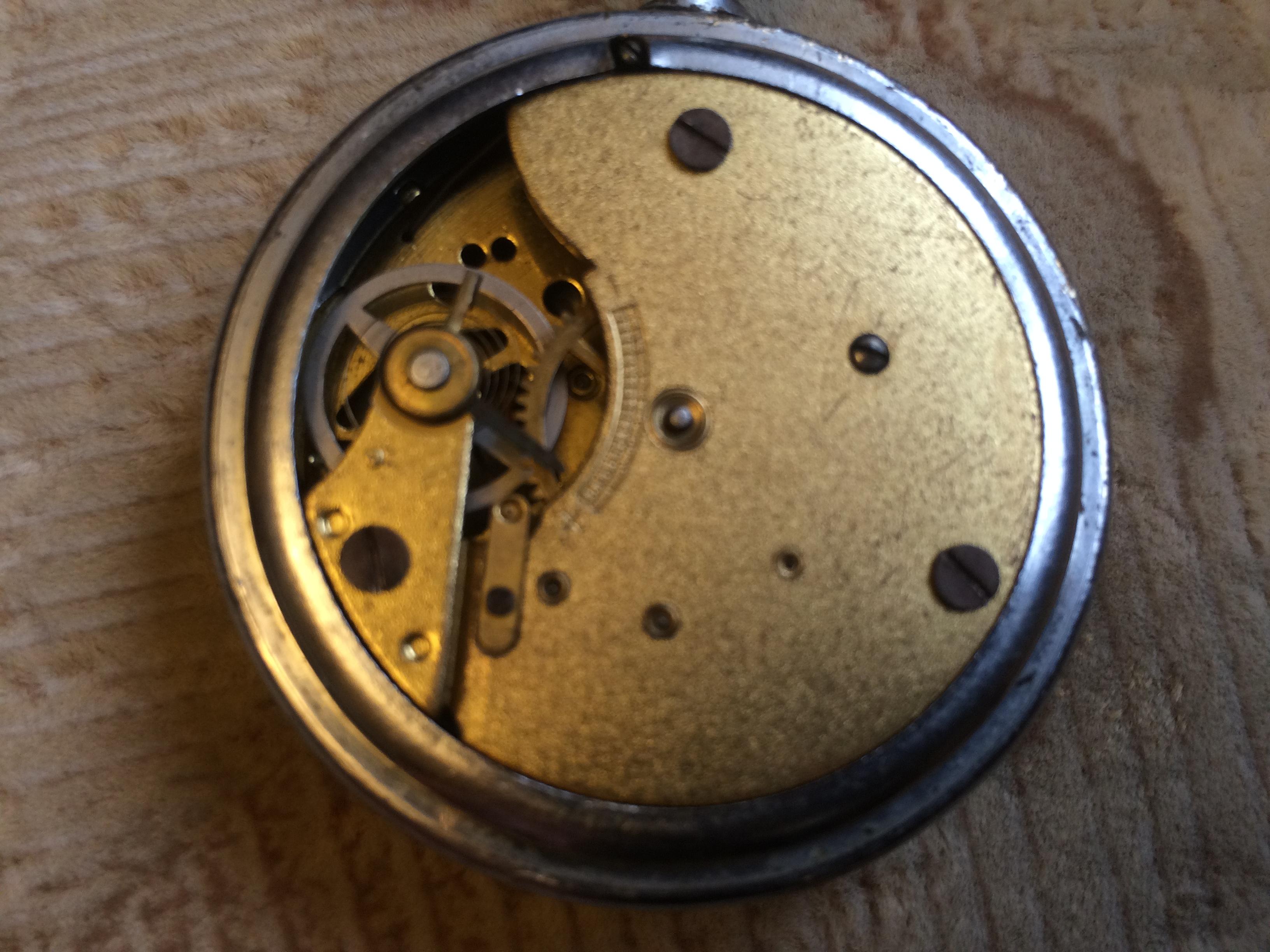 Старые немецкие карманные часы без пружины