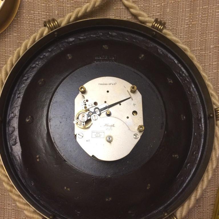 настенные часы Kienzle круглые