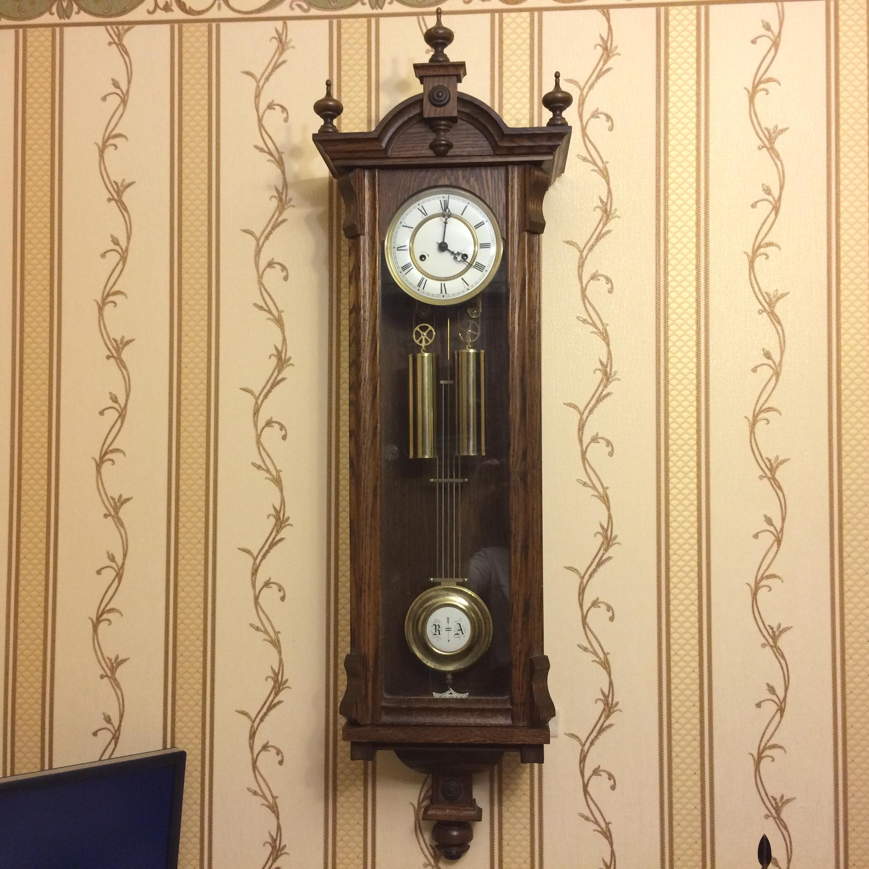 Огромные дворцовые настенные гиревые немецкие часы Kieninger (Howard Miller)