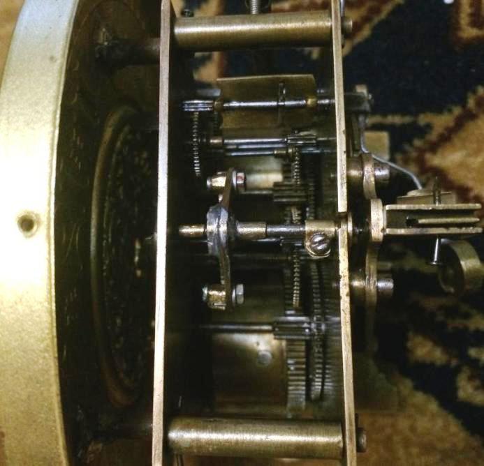 Старые немецкие настенные часы