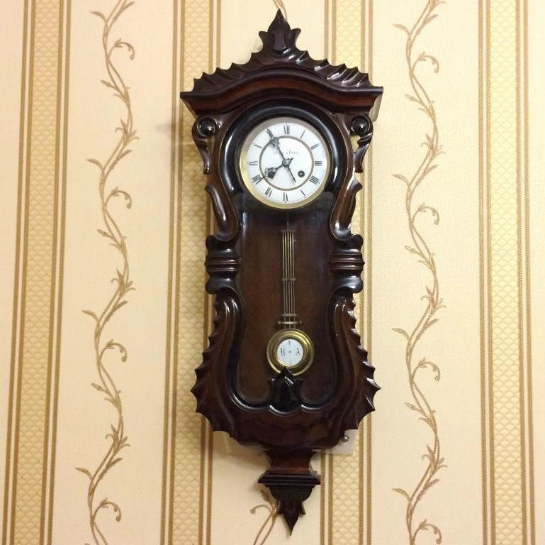 Старинные немецкие часы в стиле серпантин