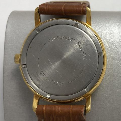 Мужские наручные часы Восток СССР тесненый циферблат позолоченные