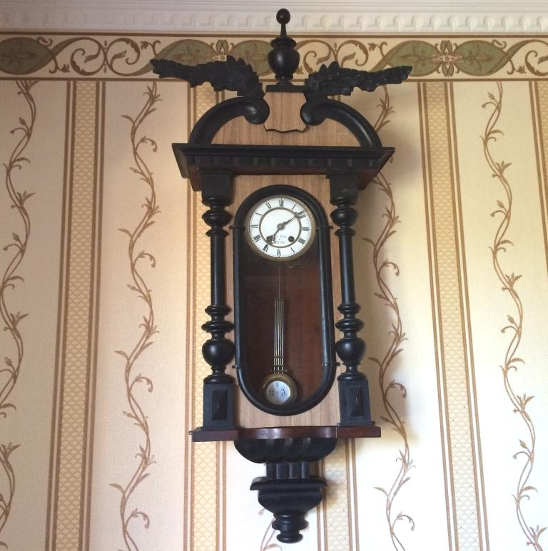 Старинные настенные часы Carl Werner