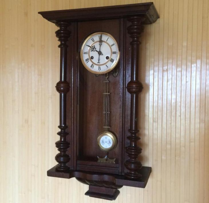 Старые часы настенные продам в строительстве часа стоимость одного человека