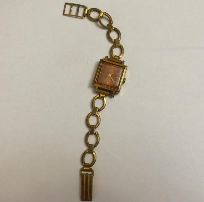 Купить женские наручные часы Заря сделанные в СССР 17 камней 21 ... d747dd7665e