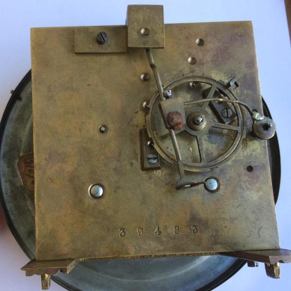 Старинные немецкие настенные часы с маятником и боем