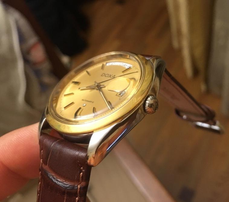 Мужские наручные швейцарские часы Doxa