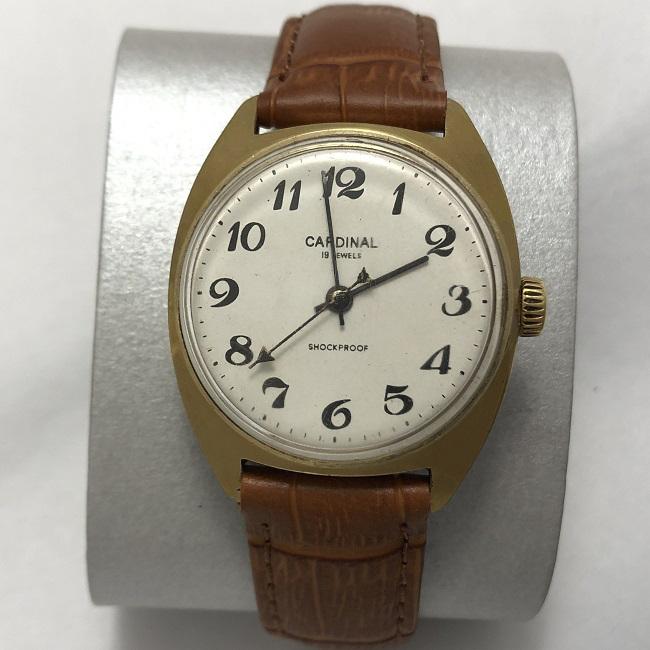 Мужские наручные часы Восток СССР 17 камней бордовые