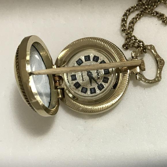 Женские часы кулон Чайка СССР 17 камней позолоченные