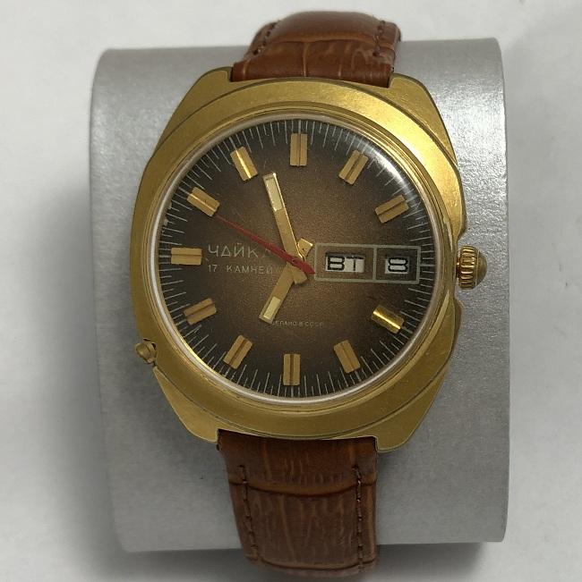 наручные часы Ракета СССР вечный календарь белые