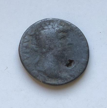 Монета денарий Древний Рим Коммод