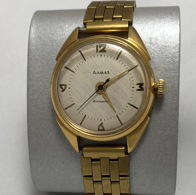 Мужские наручные часы Алмаз СССР ЧЧЗ 18 камней позолоченные