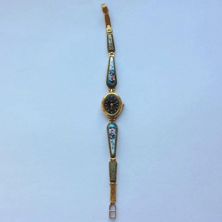 Женские наручные часы Луч кварц