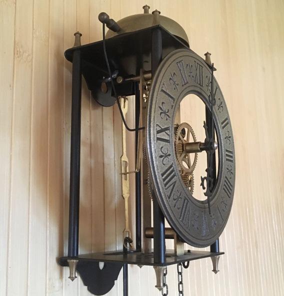 Часы настенные скелетон Германия