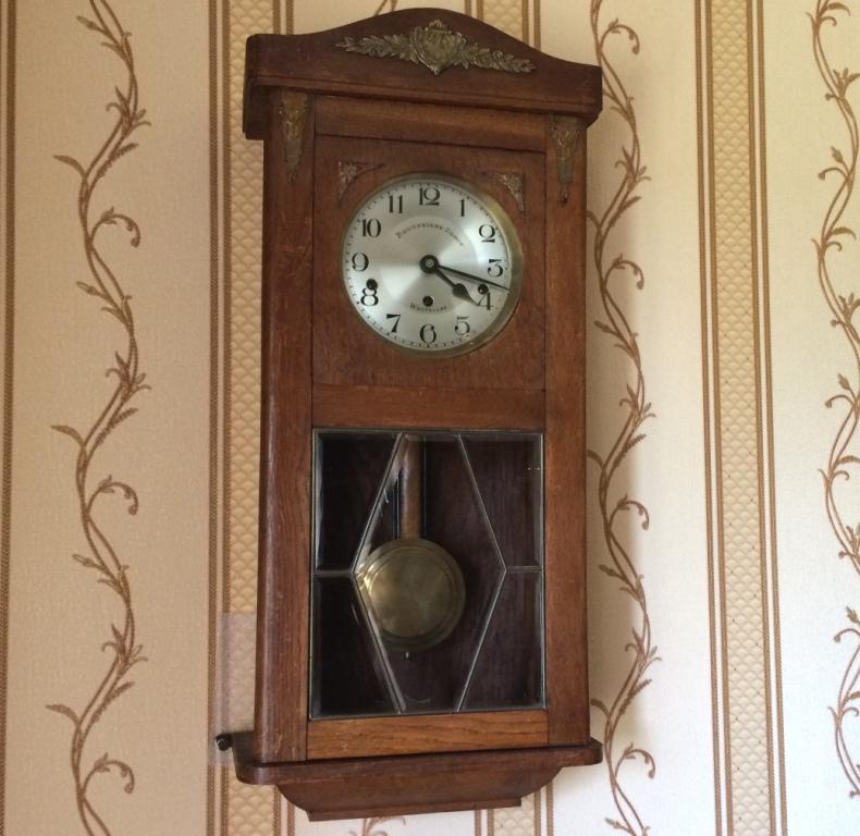 настенные четвертные часы Kienzle