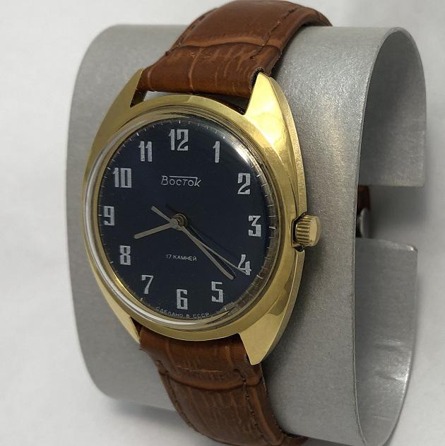 Мужские наручные часы Восток 17 камней СССР синие позолоченные