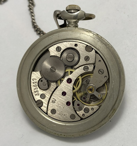 наручные часы Луч позолоченные в квадратном корпусе