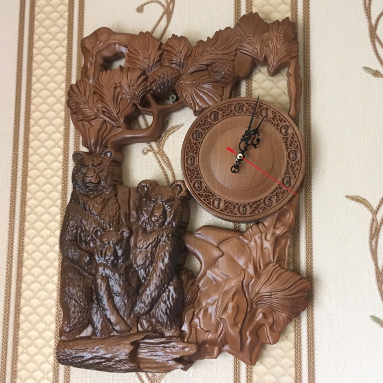 Деревянные настенные часы - три медведя