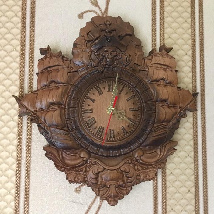 Деревянные настенные часы резные пиратские корабль