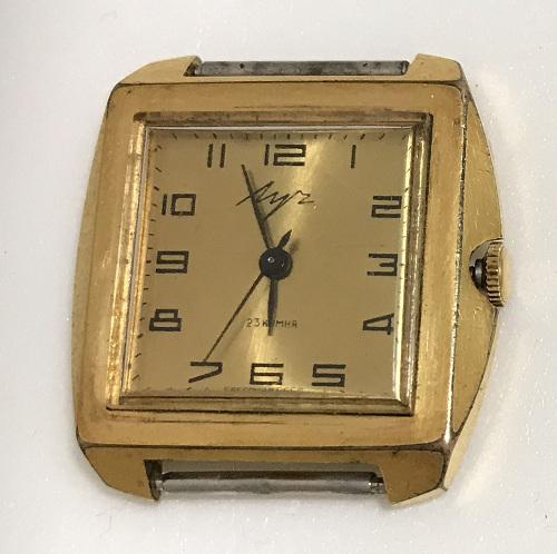 Мужские наручные часы Луч СССР позолоченные в квадратном корпусе