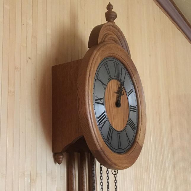 Настенные часы Hermle с маятником и боем