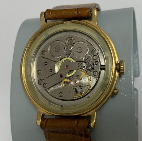 Мужские наручные часы Восток СССР 17 камней белые