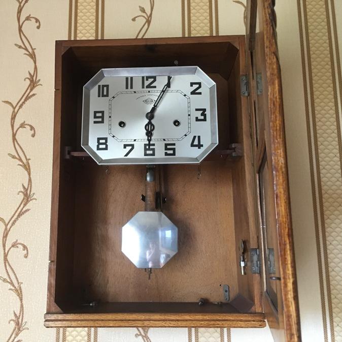 Часы настенные Girod старинные четвертные с боем