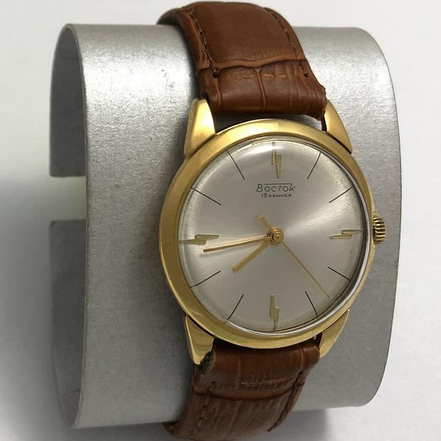 Мужские наручные часы Восток из СССР полутонкие