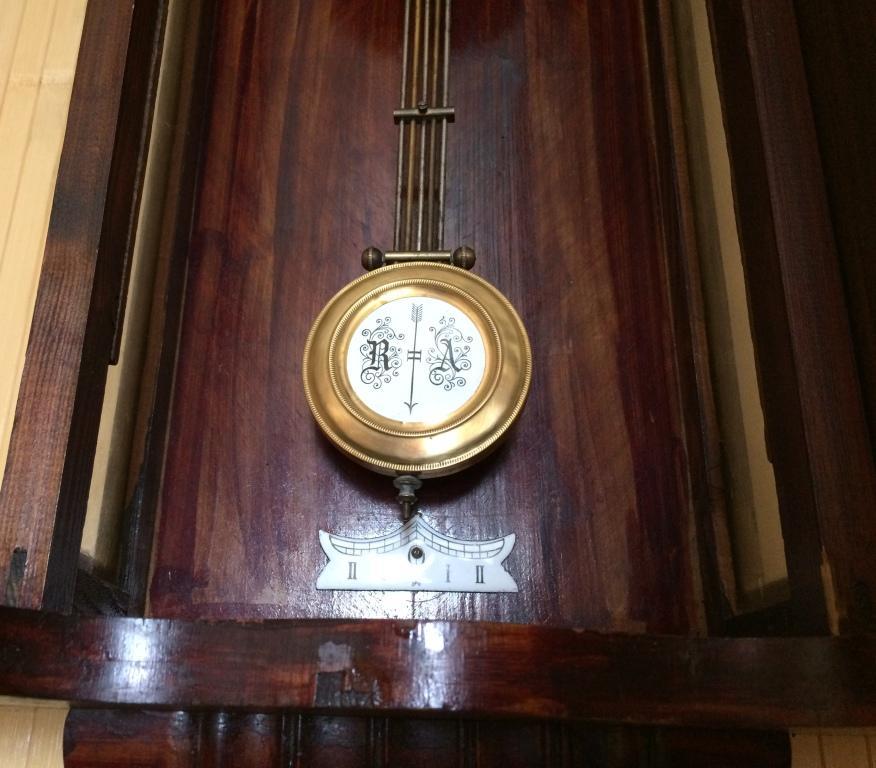 настенные часы Kienzle - около 100 лет