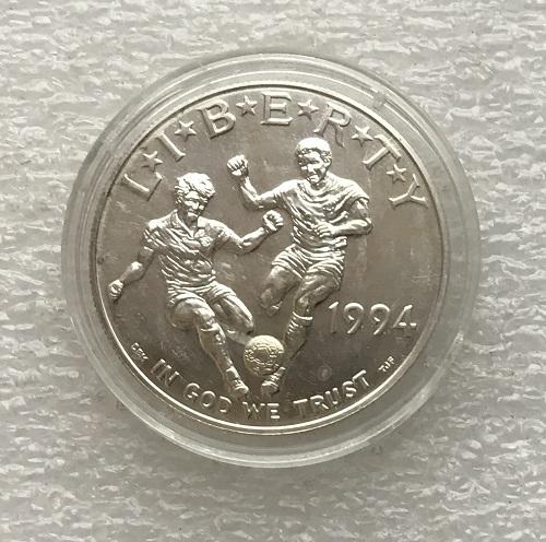 Монета доллар США футбол