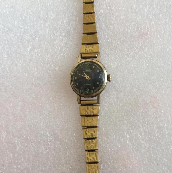 женские часы Слава 17 камней СССР позолоченные с браслетом