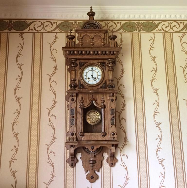 Настенные часы Gustav Becker в деревянном корпусе старинные