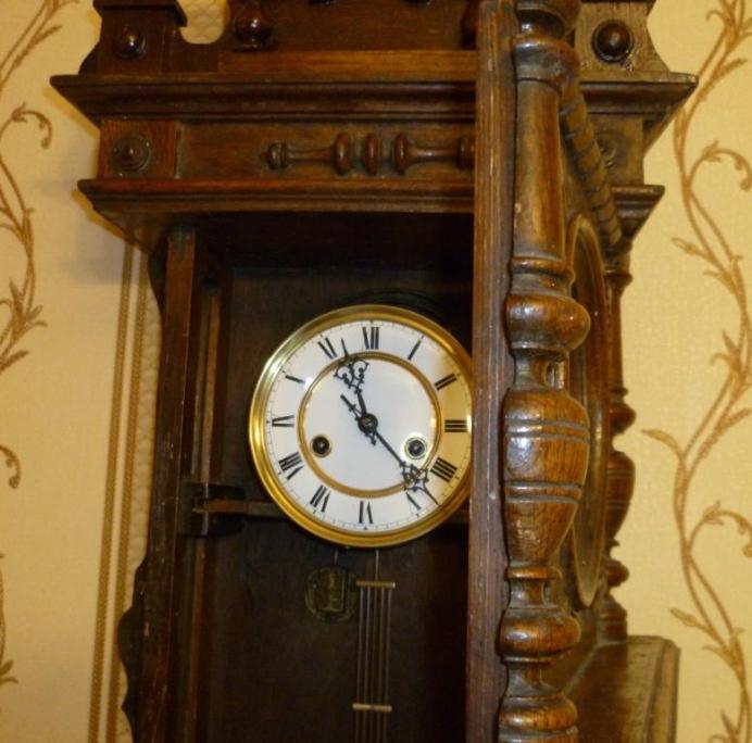 Старинные настенные часы Gustav Becker 1915 года