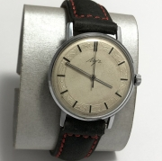 Мужские наручные часы марки Луч времен СССР