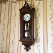 Старинные гиревые настенные часы Gustav Becker рококо