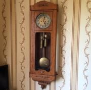 Старинные настенные гиревые австрийские часы