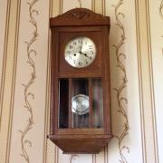 Старинные немецкие настенные часы с боем Mieg на три молотка