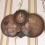 Деревянные резные часы настенные