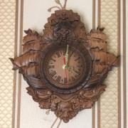 Деревянные настенные часы резные с сюжетом