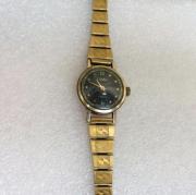 Наручные женские часы Слава 17 камней СССР позолоченные с браслетом