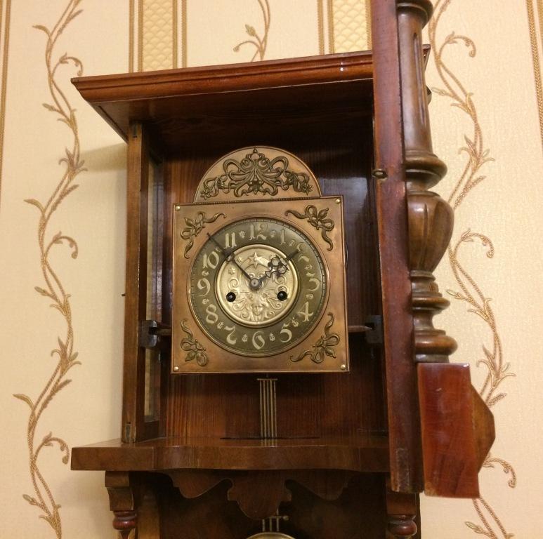 С года мастерская беккера превратилась в целую фабрику по производству интерьерных часов.